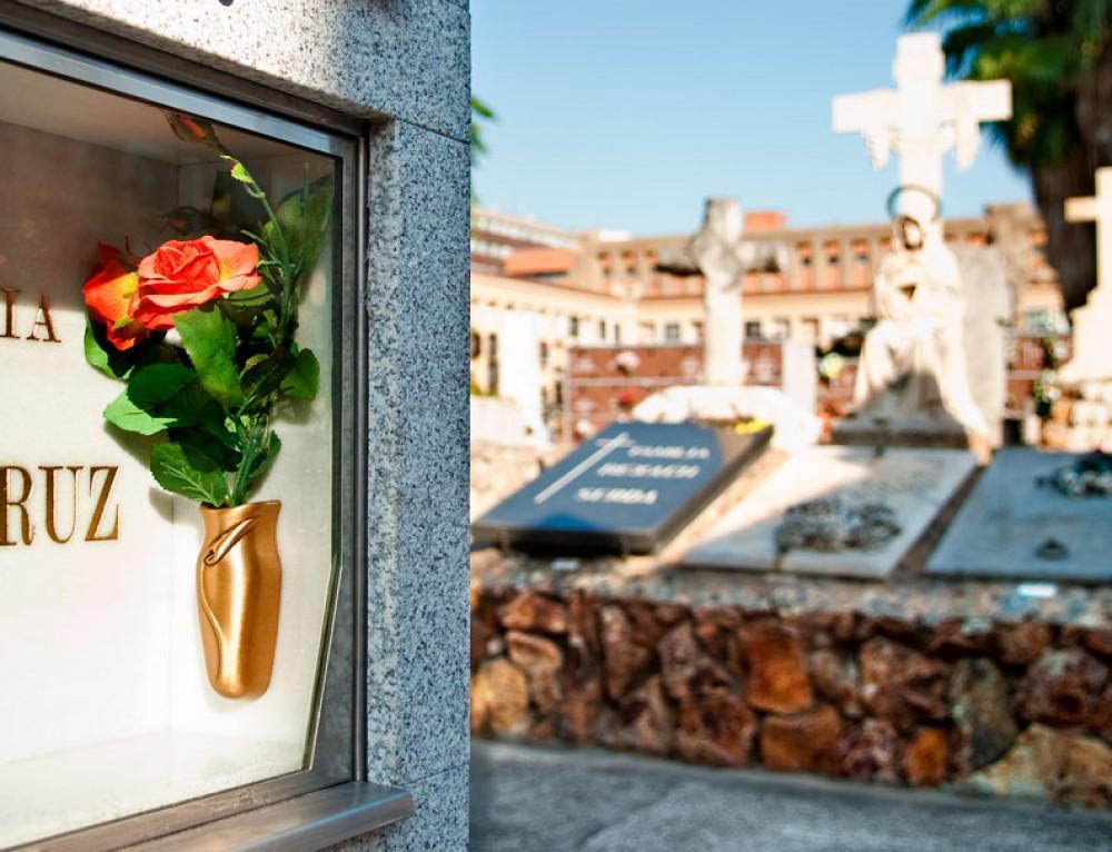 Tots Sants als cementiris de la ciutat: Ampliació d'horaris i serveis