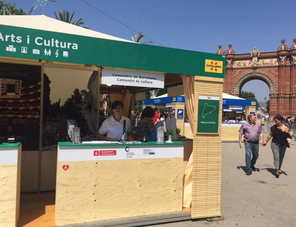 """Cementiris de Barceloma promociona su agenda cultural en el """"Mercat d'Escapades"""""""