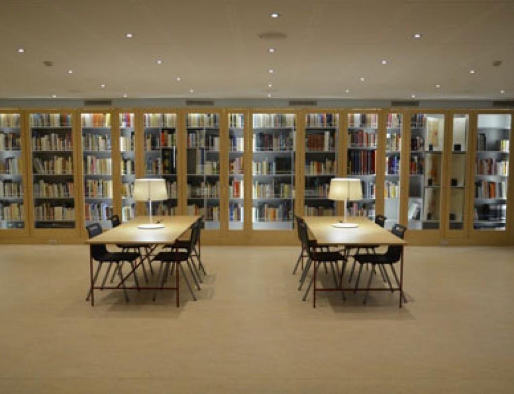 La biblioteca funerària tancada fins al gener