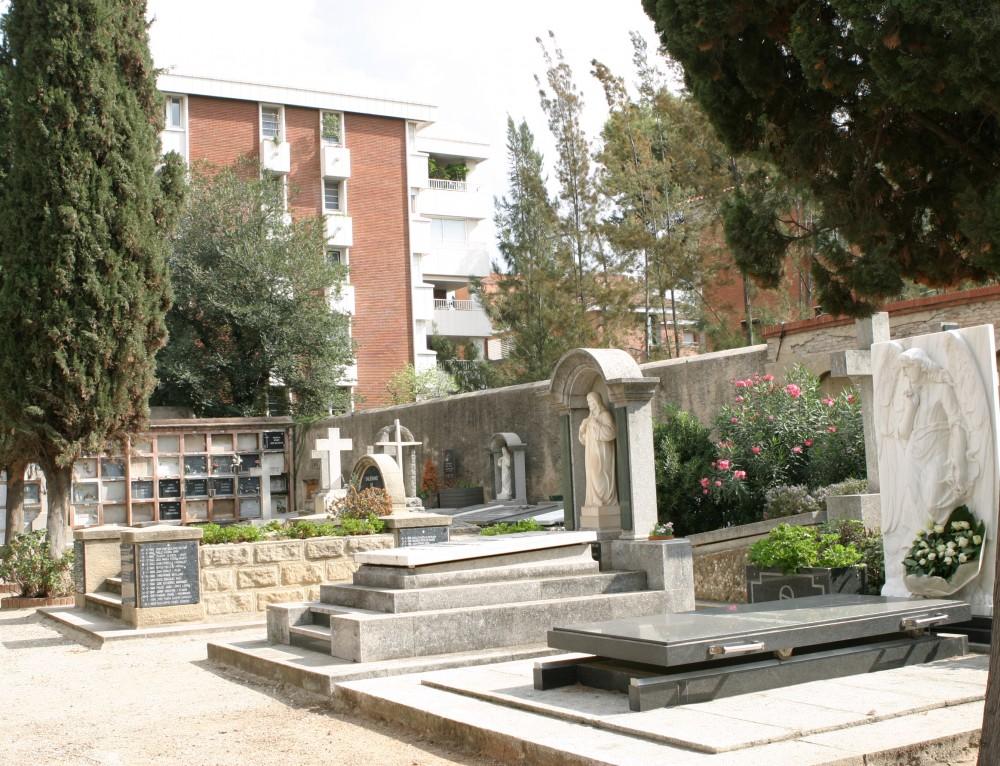 El Cementiri de Sarrià romandrà tancat a les visites fins al proper 16 de setembre.